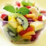 Фруктовый салат с мятой